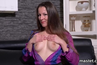 Horny czech kitten opens up her spread hole to the unus
