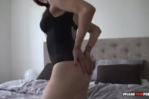 1029395 Redhead Flashes Her Pretty Pussy On Camera