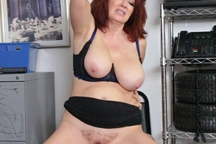 Shoplifter MILF Andi James offers her pussy