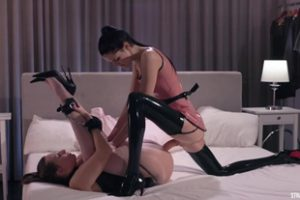 1156458 Latex Ladies Does Strapon Fuck