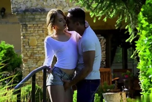 Kira Thorn Bangs Her Landscaper In The Beautiful Outdoo