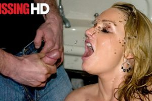 1208059 Flower Tucci Drinks His Pee And Sucks His Cock