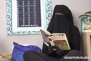 Little Elis Lonely Muslim Has Sex with Caring Friend