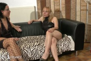 422964 Loona Cougar Squirts While Getting Her