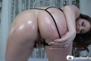 439452 Cock Munching Babe Gets Fucked Without Mercy