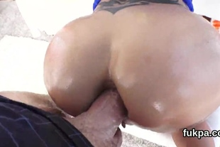 Adorable babe reveals huge fanny and gets ass hole ream
