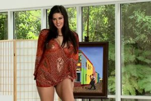 813078 Sunny Leone You Make It Look So Easy