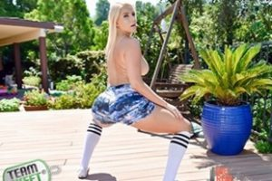 Therealworkout Vanessa Cage Work Out With A Twerk Out Xvideoshits.com Video