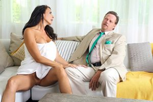 Mylfx Reagan Foxx Horny House Hunter